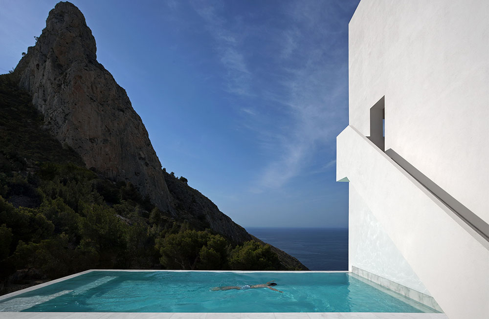 fran-silvestre-arquitectos-valencia-house-on-the-cliff