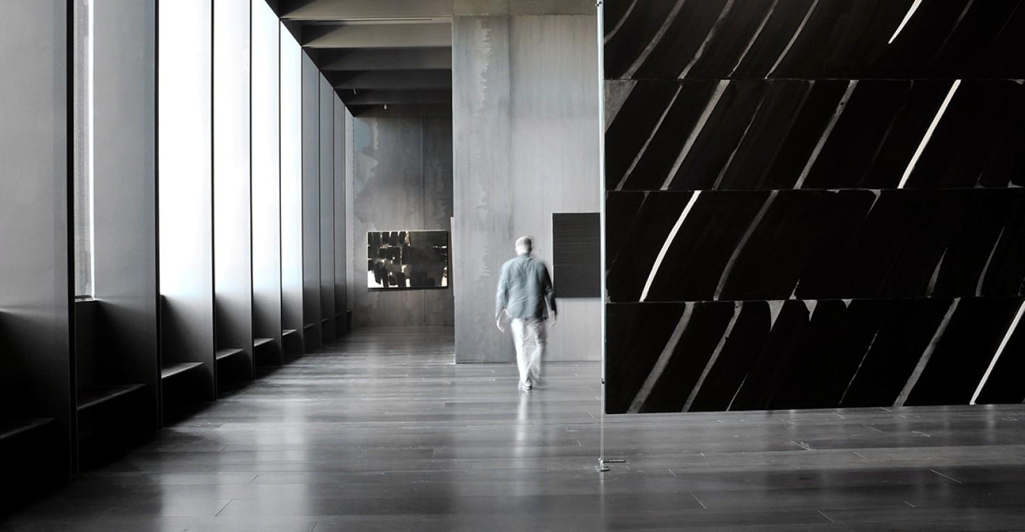 AVEYRON (12) RODEZ, MUSEE SOULAGES. SALLE D'EXPOSITION TEMPORAIRE. OUTRENOIRE DE PIERRE SOULAGES // FRANCE. AVEYRON (12) RODEZ, SOULAGES MUSEUM. SHOWROOM, OUTRENOIRE OF PIERRE SOULAGES