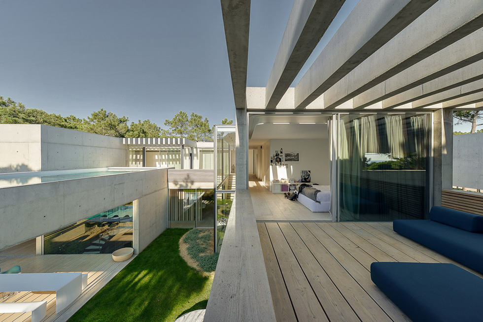 the-wall-house-ricardo-oliveira-alves